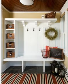 Absolutely fabulous mudroom entry design ideas This for the utility room bench area. Electrical sockets in couple of the shelves for charging station.This for the utility room bench area. Electrical sockets in couple of the shelves for charging station. Country Entryway, Entryway Ideas, Entryway Storage, Shoe Storage, Entryway Hooks, Mudroom Storage Ideas, Country Living, Entryway Decor, Hall Bench With Storage