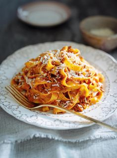 Tagliatelle with Pressure Cooker Bolognese Sauce Quick Pasta Recipes, Cooking Recipes, Easy Recipes, Recipe Pasta, Pot Recipe, Dinner Recipes, Italian Dishes, Italian Recipes, Pressure Cooker Spaghetti