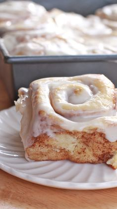 easy cinnamon rolls recipe. We LOVE this recipe. Easy, soft, fluffy and so delicious. Hard to eat just one.