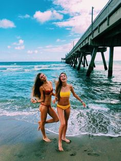 Best friend photos, best friend goals, summer photos, summer vibes, beach p Photos Bff, Best Friend Photos, Best Friend Goals, Beach Photos, Bff Pics, Travel Photos, Travel Pictures, Shotting Photo, Cute Friend Pictures