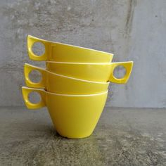 4 x Retro Ornamin Ware Melmac Teacups.  Yellow and White.  1960s - 1970s.