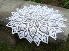 White crochet round lace tablecloth Pineapple ornament doily