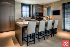 Luxe keuken op maat met zitgedeelte