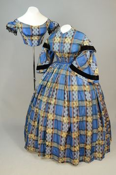 Irma G. Bowen Historic Clothing Collection, University of NH, skirt with both day bodice and evening bodice. Victorian Era Fashion, Victorian Costume, Vintage Fashion, Victorian Dresses, Vintage Gowns, Vintage Outfits, Civil War Fashion, Civil War Dress, 19th Century Fashion
