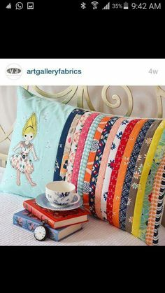 Sewing baby clothes fabric scraps 32 Ideas for 2019 – Sewing Projects Baby Clothes Quilt, Sewing Baby Clothes, Patchwork Cushion, Patchwork Quilting, Sewing Pillows, Diy Pillows, Quilting Projects, Sewing Projects, Small Quilts