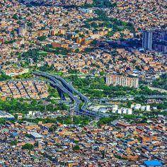 """Medellín Antioquia Colombia 🇨🇴 on Instagram: """"RETO!!💡¿Cómo se llama el puente que ves en la foto? . . . 📸 @pablorestrepo30 . . . . #Medellín #Antioquia #MedellinGourmet #Picacho…"""" City Photo, Travel, Instagram, Tourism, Cities, T Shirts, Scenery, Display, Places"""