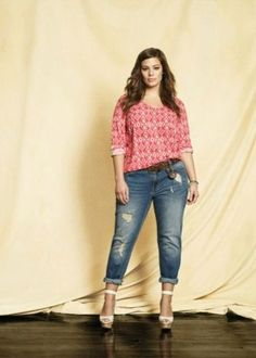 Plus size supermodel Ashley Graham wearing a long sleeve v-neck blouse with BUFFALO boyfriend jeans and a braided belt. Available at Addition Elle, your plus size destination. # plussize Plus size beauty curvy curves fadhion Beauty And Fashion, Big Girl Fashion, Curvy Fashion, Plus Size Fashion, Jeans Fashion, Fashion Hair, High Fashion, Fashion Tips, Fashion Trends