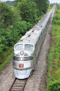 CB&Q 'Silver Pilot' in charge of the Nebraska Zephyr in Illinois. By Train, Train Tracks, Train Rides, Bonde, Railroad Photography, Old Trains, Train Pictures, Train Tickets, Train Journey