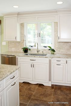 beautiful neutral kitchen