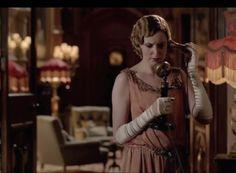 Edith takes an alarming phone call
