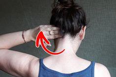 4 masážní techniky, které vás dokážou zbavit bolesti krku