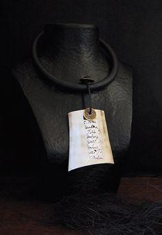 collier en corne polie-:- AMALTHEE CREATIONS-:- n° 111