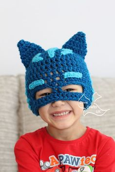 My little boy has just caught up with the PJ Masks craze and he loves them! I wanted to make him a mask-hat for Catboy, so that's what I did. I have also made similar patterns for both Gekko and Owlette, which are also available for free on Ravelry (see my patterns).