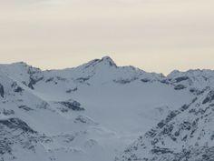 Der Gletscher Ducan (Bündnerromanisch Ducan Dador) ist ein 3'020 m ü. M. hoher Berg in Graubünden.