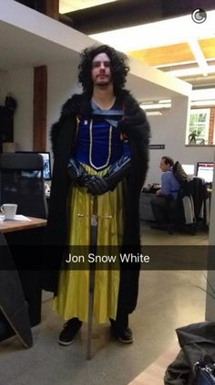 Nailed it! Lmfao game of thrones - Jon Snow White Stupid Funny, The Funny, Hilarious, Funny Stuff, Jon Snow White, Percy Jackson, Cosplay Costumes, Halloween Costumes, Nerd Costumes