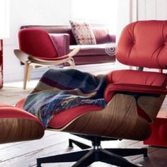 Eames Lounge chair in red