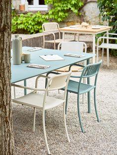 déco jardin House Beautiful, Beautiful Homes, Outdoor Furniture Sets, Outdoor Decor, Deco Design, Patio, Home Decor, Gardens, Garden Deco