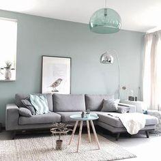 Wohnzimmer in grau, beige, gebrochenem türkis