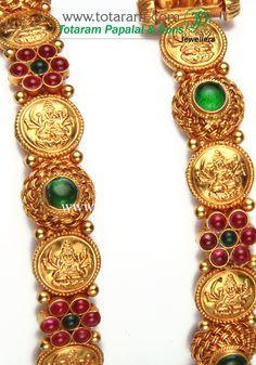 Totaram Jewelers: Buy 22 karat Gold jewelry & Diamond jewellery from India: 22K Gold 'Lakshmi' Kada - Set of 2(1 Pair)(Temple Jewellery)