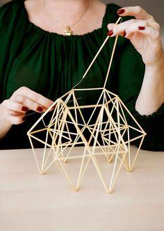 Salmiakkihimmeli   Meillä kotona Conceptual Model Architecture, Bamboo Architecture, Architecture Design, Geometric Designs, Geometric Shapes, Straw Sculpture, Architecture Presentation Board, Space Frame, Roof Design
