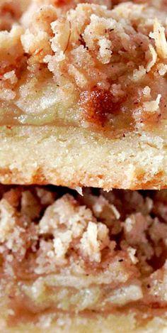 Easy Apple Crisp Bars #applecrispbars #apples Best Dessert Recipes, Fruit Recipes, Fun Desserts, Apple Crisp Easy, Good Food, Yummy Food, Slow Cooker Desserts, Sweet Caroline, Best Brownies