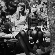 Girls at Elysian Park for a 'Love-In, in Los Angeles, California, on March 26, 1967. Photo by Michael Ochs