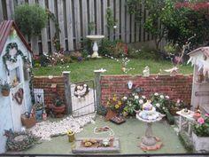 mini garden someday at my house Donna Hay Kids, Kitchen Blackboard, Mini Fairy Garden, Fairy Gardens, Mini Greenhouse, Fairy Houses, Doll Houses, Miniture Things, Dollhouse Miniatures