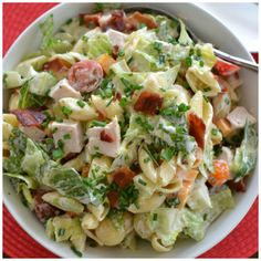 This Quick Easy Turkey Club Pasta Salad combines shell pasta, roasted turkey, crispy bacon, romaine, cheddar and ranch dressing into an amazing salad.