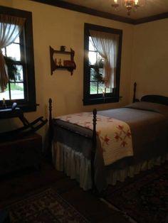 Farmhouse bedroom- d