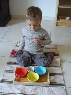 A la douce: 1-2 ans Tri de pompons par couleurs