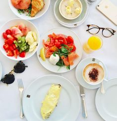 Mimi Ikonn | Breakfast in Italy | Omelet, Fruit Salad, Cappuccino, Poached Eggs with Salmon | Delicious | Travel Breakfast
