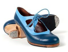 Tacones y Lunares - Handmade flamenco shoes and boots by Arte FYL