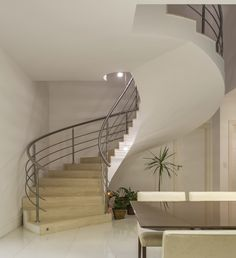 Escada helicoidal Stair Railing, Stairs, Design, Home Decor, Ladder, Log Projects, Arquitetura, Staircases, Stair Banister