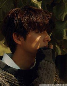 Gong Yoo strikes with charming poses for 'Esquire Hong Kong'. Gong Yoo, Asian Actors, Korean Actors, Korean Dramas, Goblin Korean Drama, Kang Haneul, Coffee Prince, K Wallpaper, Lee Dong Wook