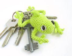 Crochet keychain  Tree frog  Amigurumi animal  MADE by SIDRUNsZoo, €19.30