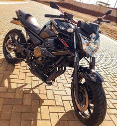 Honda Cb, Super Bikes, Cars And Motorcycles, Yamaha, Lucca, Vehicles, Street Bikes, Sportbikes, Hs Sports