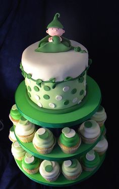 Peapod themed shower cake! (Add baby peapods with faces for the fondant on cupcakes to make them cuter than the circle fondant)
