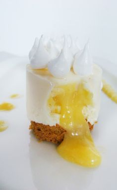 °° verote °°: A cheese cake that was taken for a lemon meringue pie ...