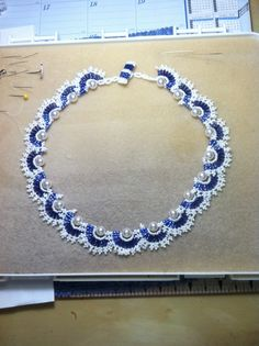 Blue and white halve rounds