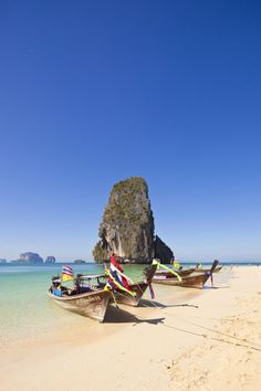 Cut off from the rest of the mainland of Krabi province by high limestone cliffs, Railay Beach is only accessible by boat, making it one of Thailand's most peaceful and beautiful beaches.