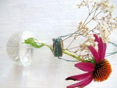 the how-to for making lightbulb vases! I already made one, took like 10 minutes (if not less)