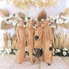 Hijab Dress Party, Hijab Style Dress, Disney Wedding Dresses, Pakistani Wedding Dresses, Pakistani Outfits, Kebaya Hijab, Kebaya Dress, Simple Bridesmaid Dresses, Simple Dresses