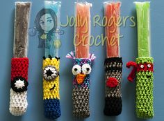 Ninja Turtles, Minions, Star Wars, Pokémon and owls! The cute Freezie Pop Holder Variations pattern by Jolly Rogers Crochet – Elizabeth Rogers is so much fun and such a great idea! Most certainly any kid can find at least one character she or he loves within the ones listed by this pattern, and will enjoy the …