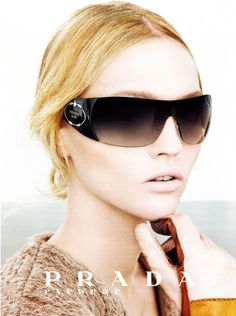 prada ( VIP Fashion Australia www.vipfashionaus... - international clothes shop )
