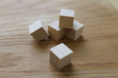Buková+kostka+ostré+hrany+15+x+15+x+15+mm+Je+možné+za+příplatek+nechat+na+kostku+cokoliv+vygravírovat.