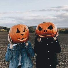 Oktober hochgeladen von A n a s t a s i a auf We Heart It - autumn - Halloween Halloween Tags, Photo Halloween, Looks Halloween, Halloween Tattoo, Fall Halloween, Happy Halloween, Halloween Costumes, Halloween Tumblr, Halloween Party