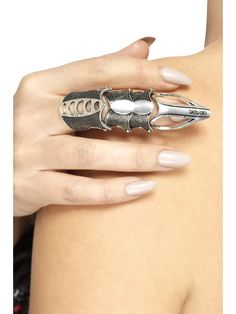 Purchase your Gothic finger armour for your Gothic costume from the Halloween Spot. It is a silver coloured metal armour which looks beautiful on your finger. Halloween Fancy Dress, Adult Halloween, Gothic Men, Halloween Costume Accessories, Halloween Costumes, Gothic Rings, Fancy Dress Accessories, Beautiful Costumes, Silver Color