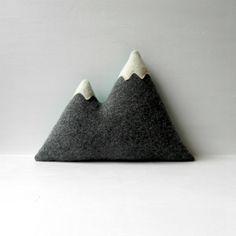 Mountain pillow DIY idea