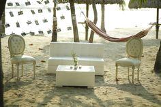 Vintage wedding decoration at the beach - decoración boda en la playa, sala lounge vintage
