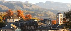 Beautiful traditional villages with stone houses, cobble paths, bridges, rich history, tasty local food, clear skies, rivers with crystal clear water... Naturally Zagori